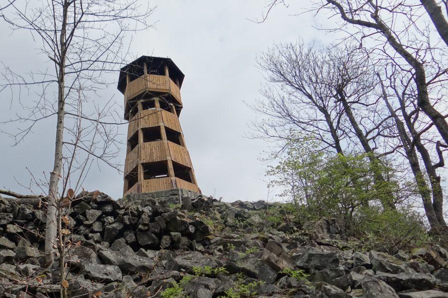 Rozhledna na Strážném vrchu u Merboltic