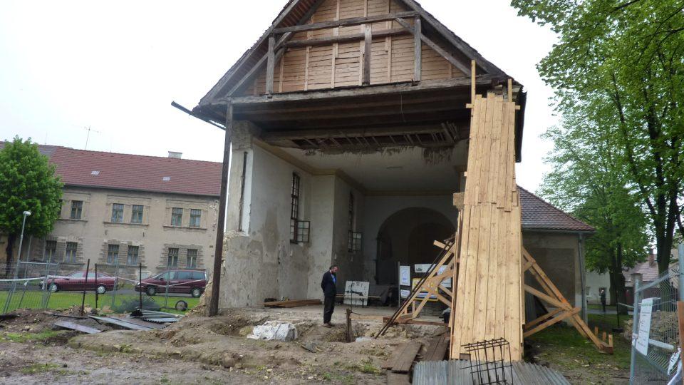 Lenešice - kostel