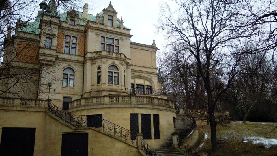 Wolfrumova vila, dnes sídlo Českého rozhlasu Sever v Ústí nad Labem