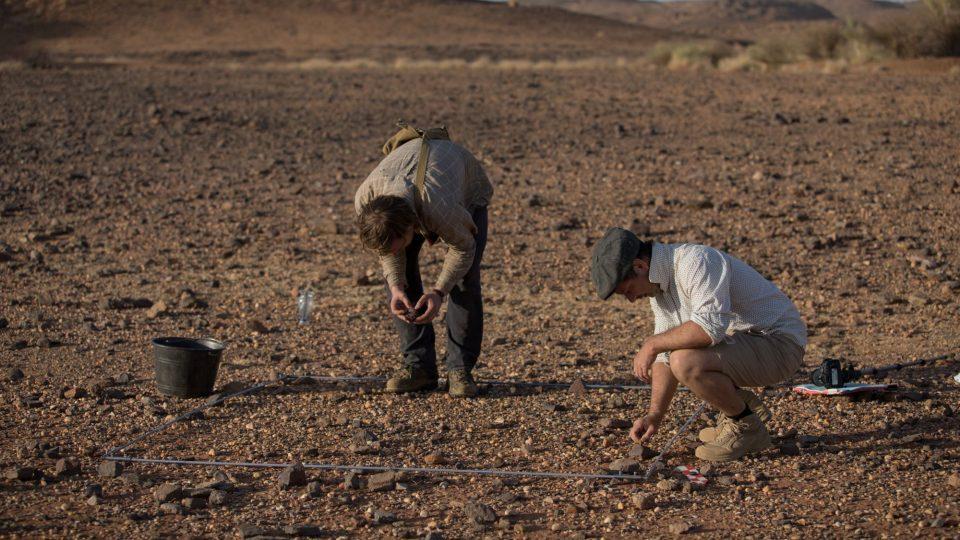 Povrchový průzkum dokázal, že v Šakadúdu se nachází pravděpodobně největší pravěká lokalita v Súdánu. P. Burgert a J. Unger při totálních sběrech