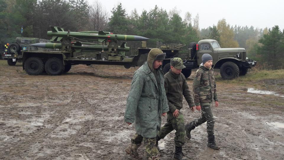 Fanoušci historické vojenské techniky měli sraz na kopci Kozinec