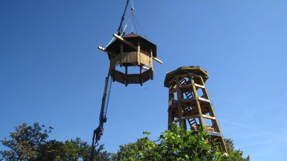 Oprava rozhledny na Strážném vrchu nad Merbolticemi