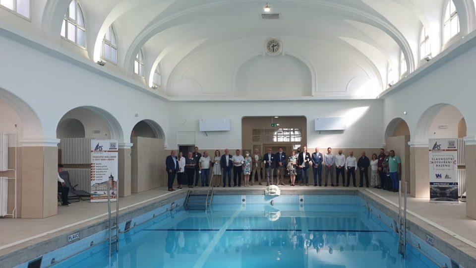 V Ústí nad Labem se pro veřejnost otevírá opravený bazén v městských lázních