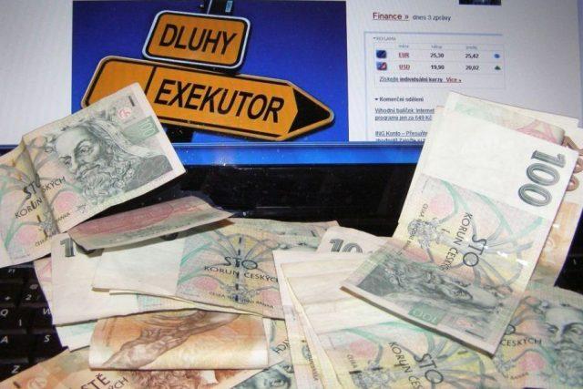 Dluhy,  exekuce  (ilustrační foto) | foto: Ladislav Bába,  Český rozhlas