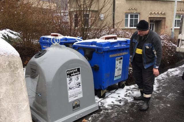 Lidé v Děčíně mohou nově třídit i drobný kovový odpad