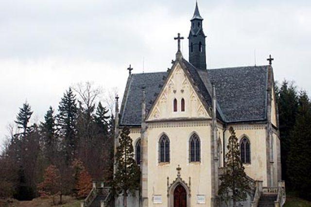 Novogotická hrobka | foto: Jan Rosenauer