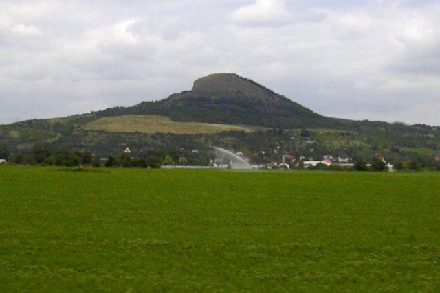 Čedičový vrch Radobýl | foto:  www.wikipedia.org