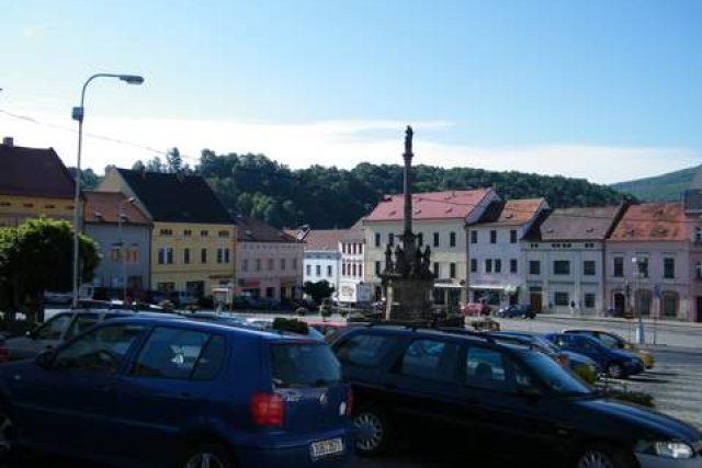 Benešov nad Ploučnicí - náměstí