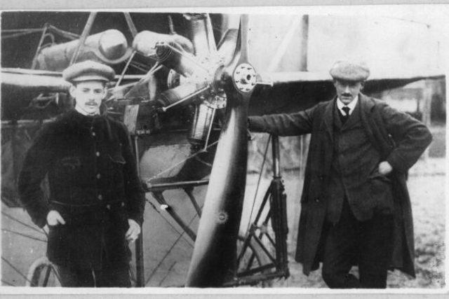 Aviatici Evžen Čihák a Jan Kašpar  (vpravo)   foto: Východočeské muzeum Pardubice,  Český rozhlas