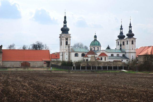 Doksany - areál kláštera s kostelem Narození Panny Marie