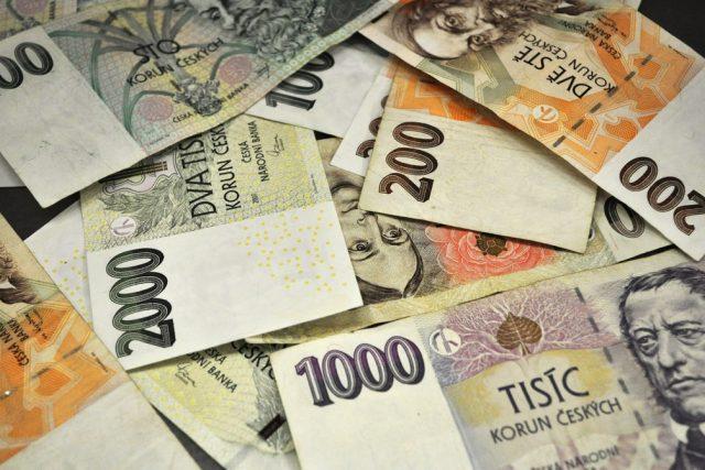 Peníze - české bankovky