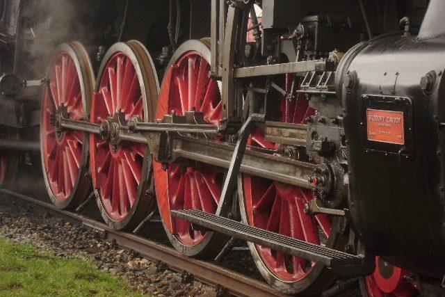Hnací kola parní lokomotivy | foto: Pavel Petr