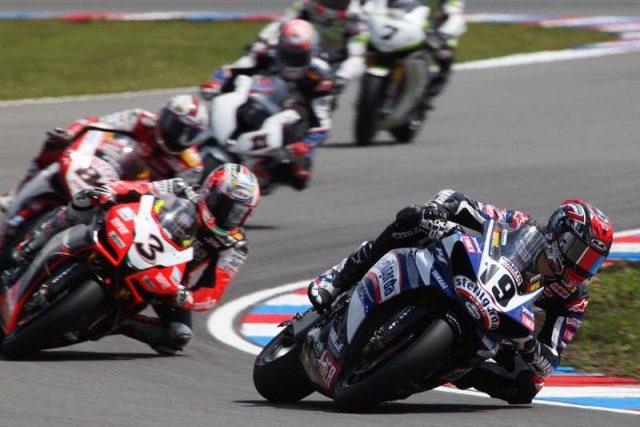 Závod superbiků na brněnském autodromu (ilustrační foto)