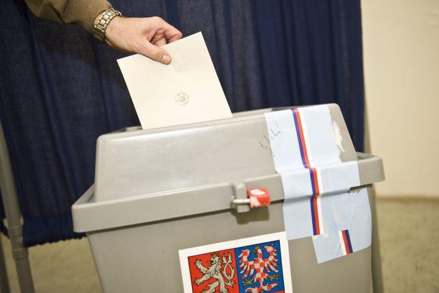 Začalo druhé kolo voleb do Senátu