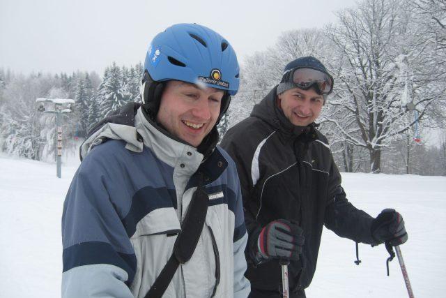 Lyžaři David Hamr a Tomáš Beneš
