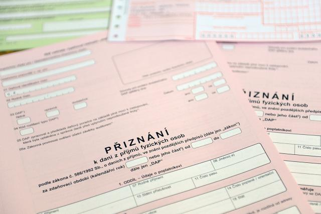 Finanční úřad, daně, daň, daňové přiznání,  formulář (ilustrační foto)