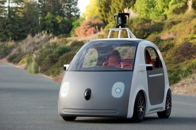 Google vyvíjí auto bez řidiče a bez volantu