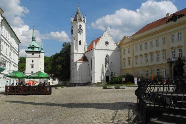 Teplice - zámecké náměstí s kostelem