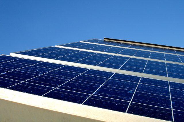 Solární panely. Ilustrační foto | foto:  Stock.xchng,   Patrick Moore