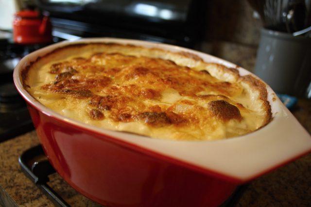 Zapečené brambory (ilustrační foto)