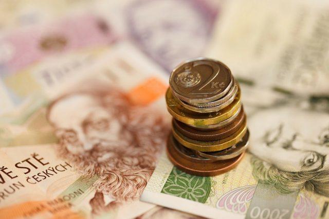 Pevný kurz koruny k euru vytváří stabilní prostředí, které pomáhá ekonomice jako celku.