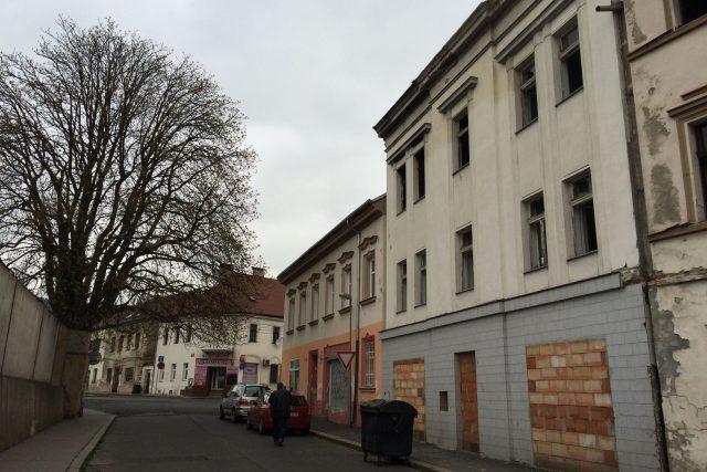 Dům v ulici 1. Máje v Neštěmicích chce HANNAinvest opravit pro chudší lidi