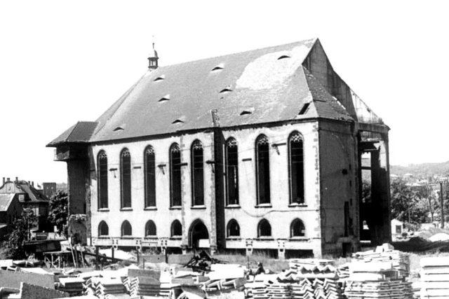 Kostel v Mostě po přesunu