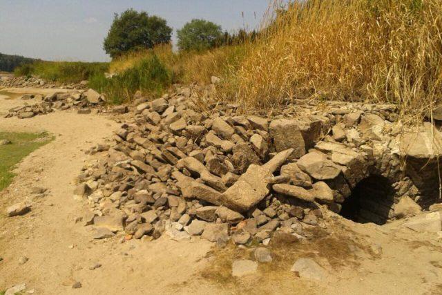 Flájská přehrada odhaluje svou minulost