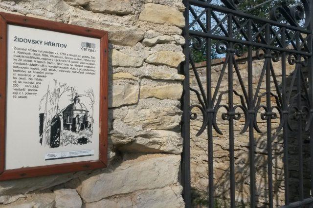 Radouň - židovský hřbitov