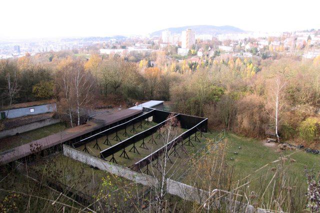 Střelnice na Mariánské skále, za ní Ústí nad Labem