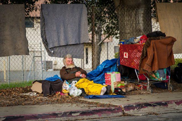 Lidé bez domova, bezdomovec