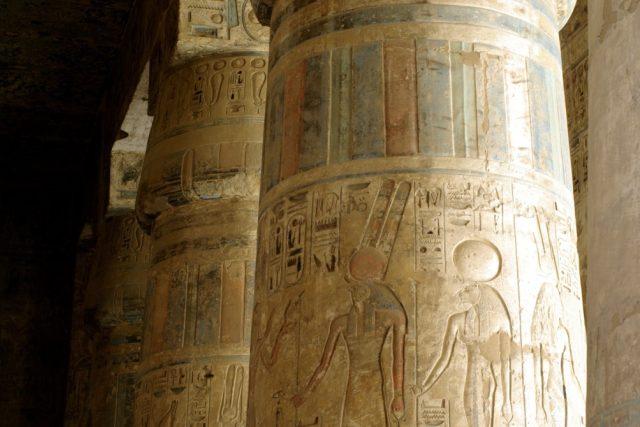 Zádušní chrám Ramesse III. v Madínat Habu