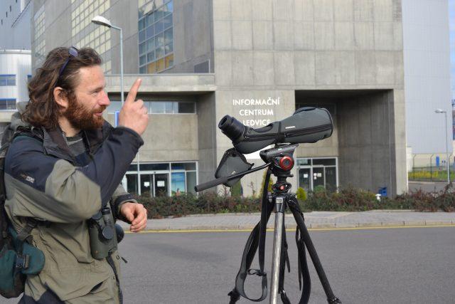 Ornitolog Václav Beran při pozorování | foto: Lenka Šobová
