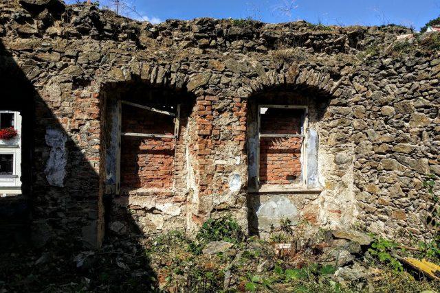 Z ruiny této historické budovy chce Krupka vybudovat Centrum středověkého hornictví