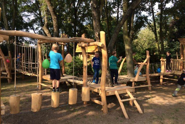 V Ústí nad Labem otevřeli první lanové centrum pro děti. Je na Severní Terase