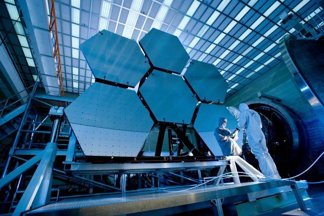 Vesmírný dalekohled Jamese Webba | foto: Public domain,   NASA/MSFC/David Higginbotham/Emmett Given