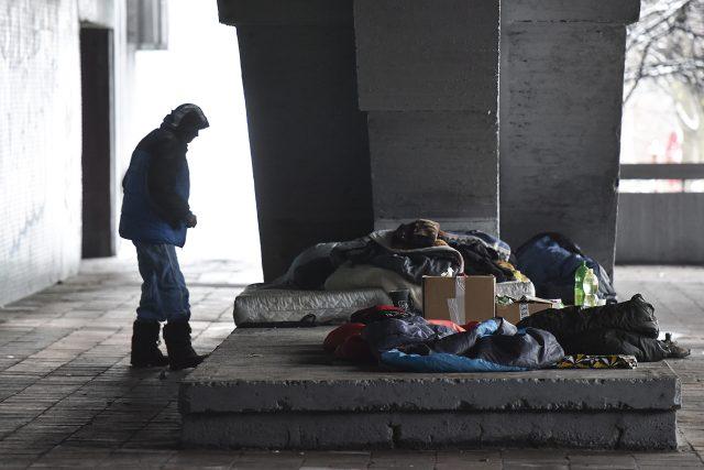 Dvaašedesátiletá Jarmila žije jako bezdomovkyně desátým rokem