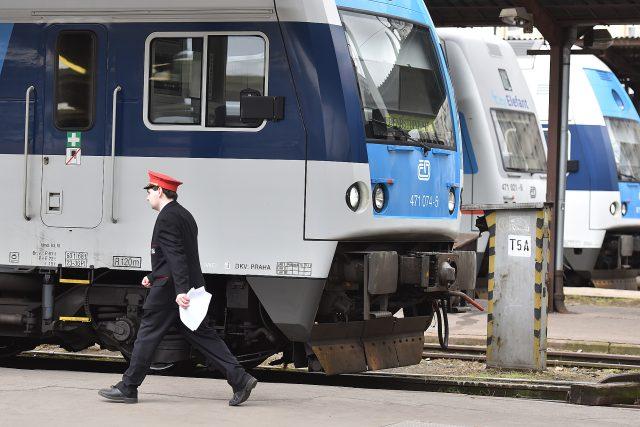 Vlak, nádraží, Masarykovo nádraží, vlaky, České dráhy