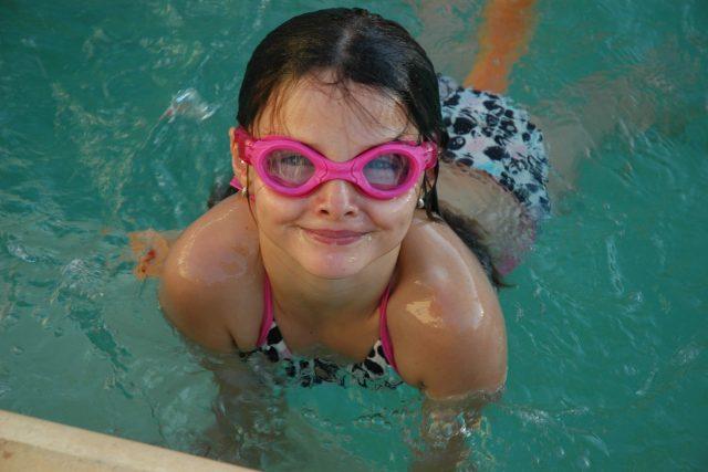 Dítě v bazénu  (ilustr. obr.) | foto: Fotobanka Pixabay