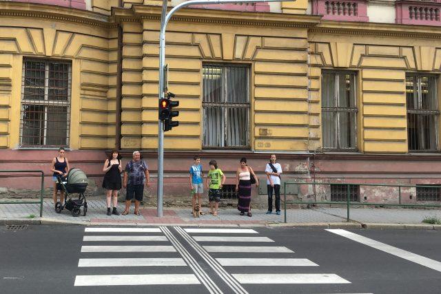 Nové semafory v litoměřické ulici Na Valech fungují bez zvukového signálu pro nevidomé