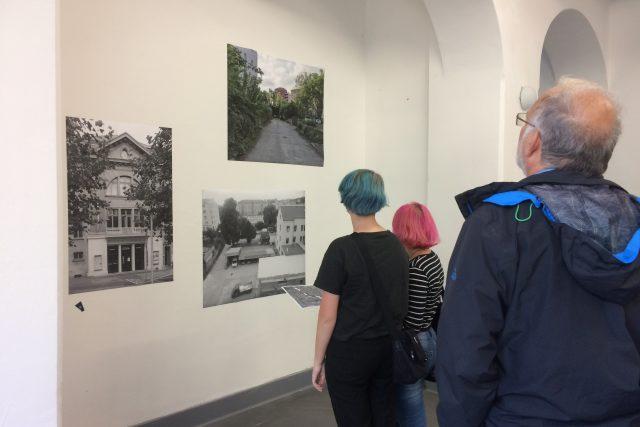 Studenti vystavují v ústeckém Hraničáři fotografie městských vnitrobloků