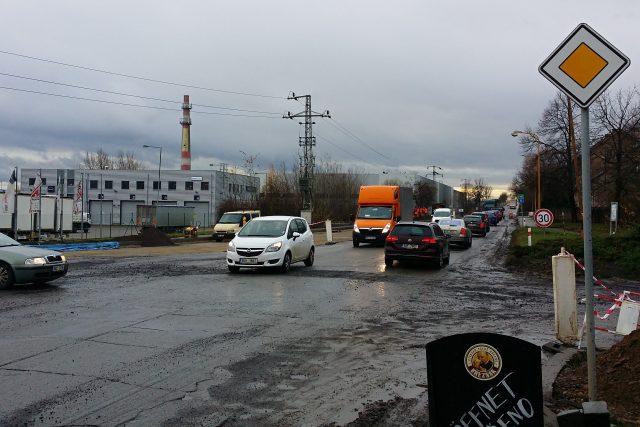 Výstavba kruhového objezdu v Přestanově se zřejmě o měsíce opozdí