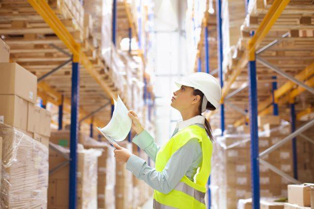Práce ve skladu, sklad (ilustrační foto)