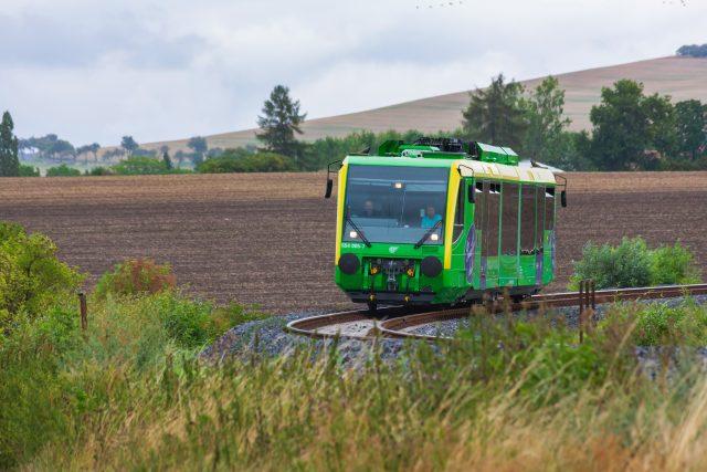 Po více než 12 letech se vracejí na Švestkovou dráhu pravidelné vlakové linky