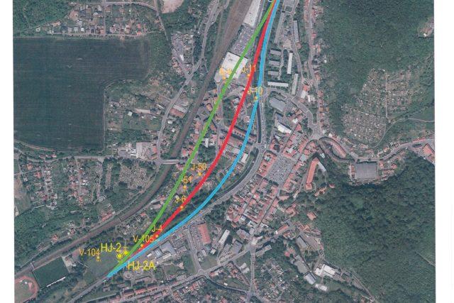 Varianty tunelů pod Bílinou. Preferovaná varianta je zobrazena zeleně | foto: Ředitelství silnic a dálnic – správa Chomutov