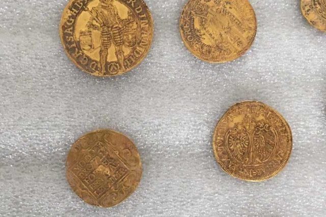 Zlatý poklad z Hostýnských vrchů | foto: Muzeum Jihovýchodní Moravy ve Zlíně