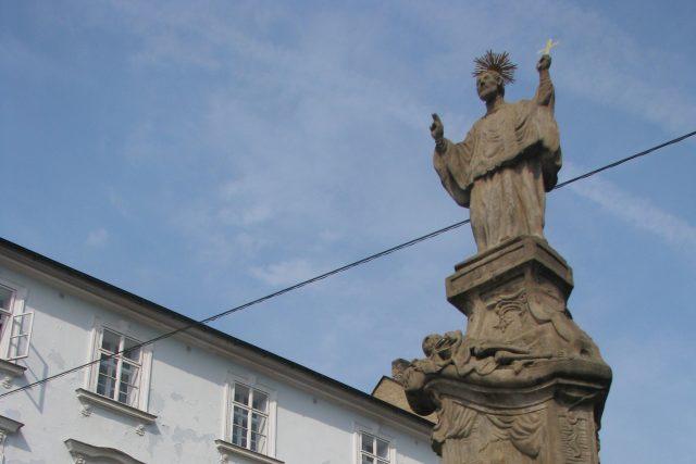Socha sv. Františka Xaverského z roku 1717 připomíná konec morové epidemie ve městě
