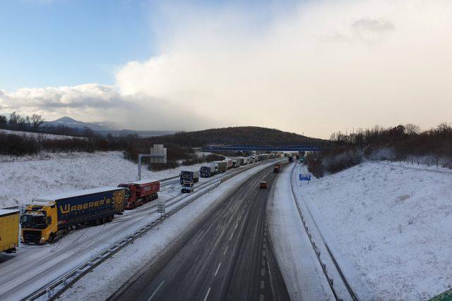 D8 na exitu u Libouchce směrem na Drážďany 5. února 2020
