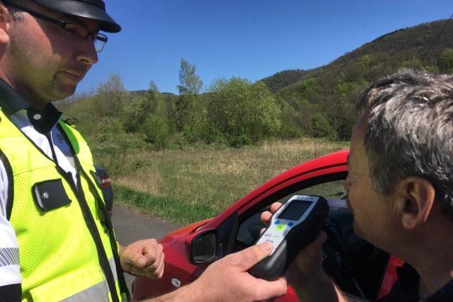 Policejní kontroly se o Velikonocích zaměřují na alkohol za volantem