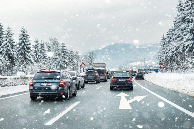 Sníh, sněžení, počasí, kalamita (ilustrační)